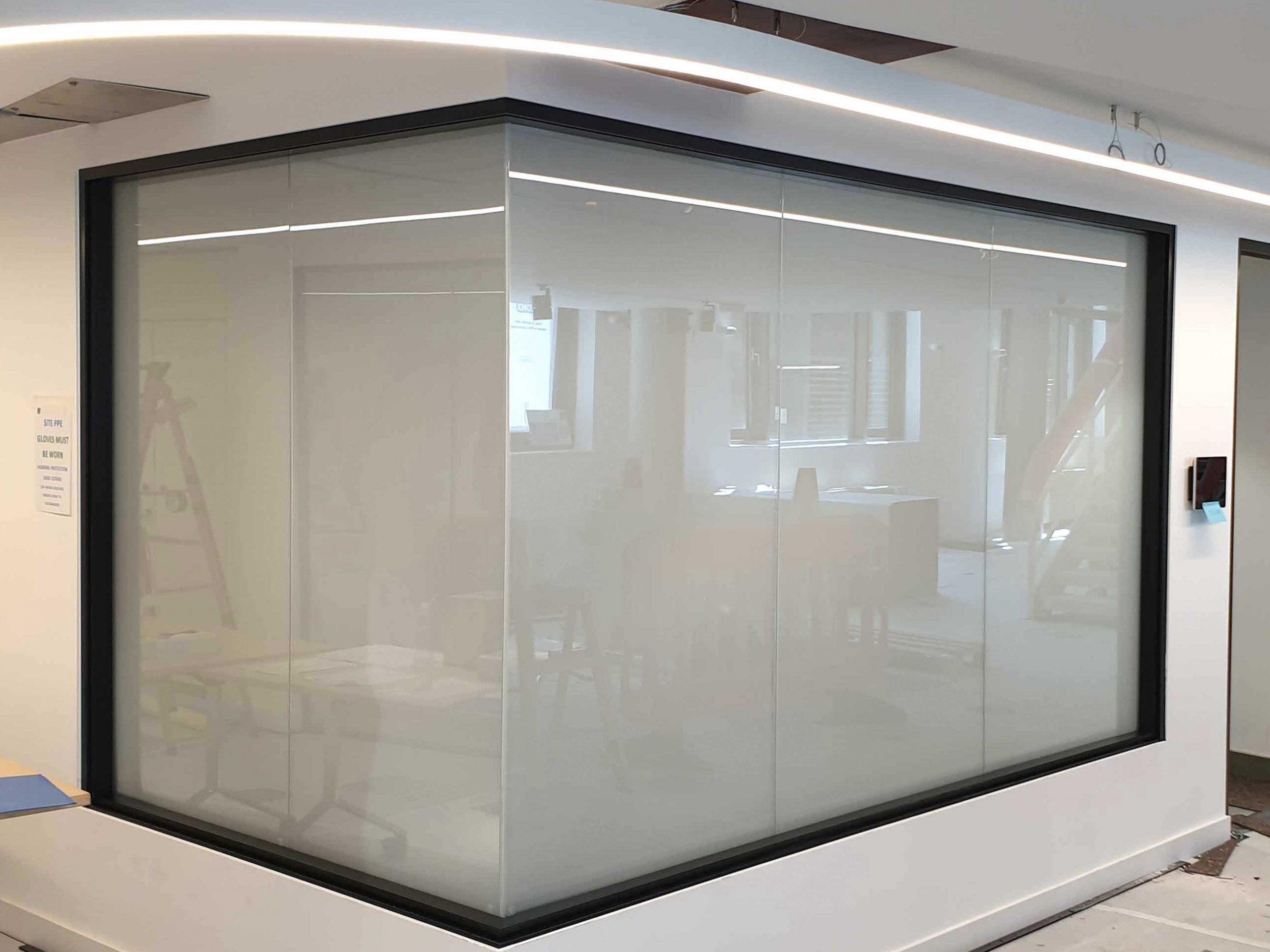 Oktra Smart Glass